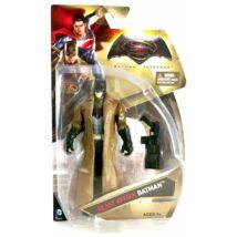 Batman vs. Superman: Batman figura ballonkabátban fegyverrel 15cm - Mattel